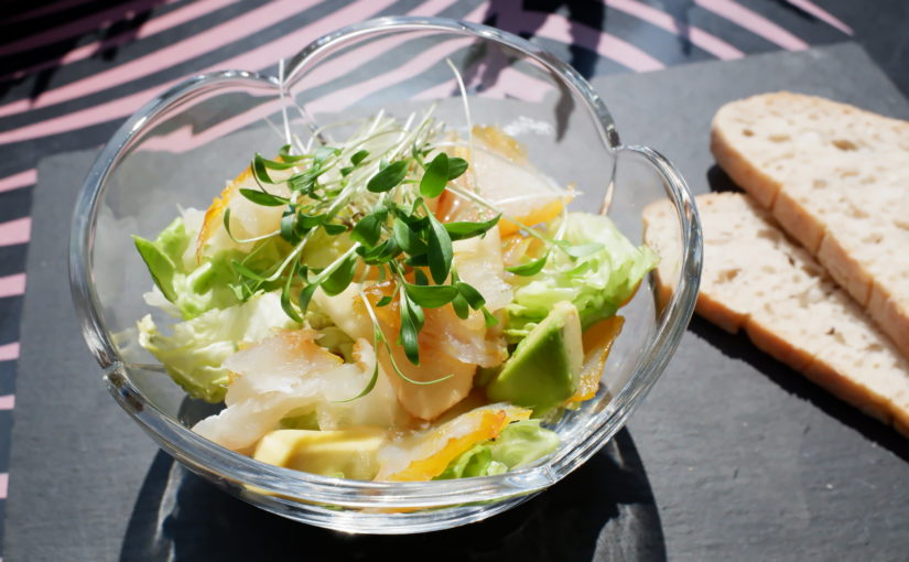 Salade micropousses coriandre haddock pomme avocat